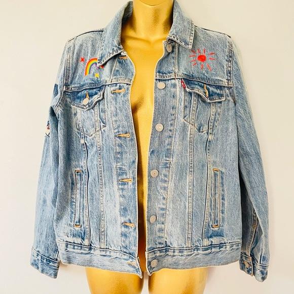 Levi's embroidered jean jacket size medium